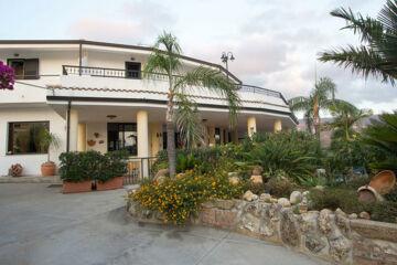 HOTEL INCORONATO San Nicolò di Ricadi